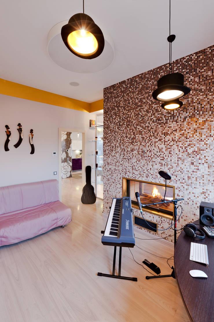 Квартира на Петровском острове в Санкт-Петербурге: Рабочие кабинеты в . Автор – Format A5 Fontanka,