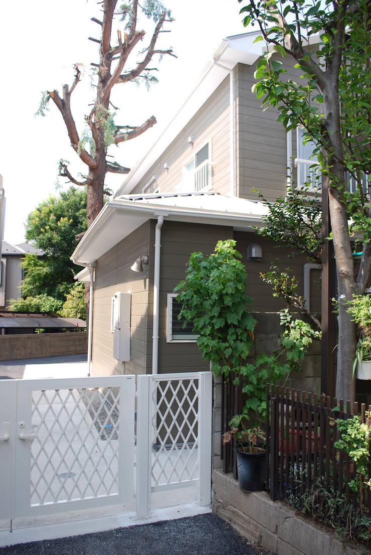 早稲田のシェアハウス: 奥村召司+空間設計社が手掛けた家です。,北欧