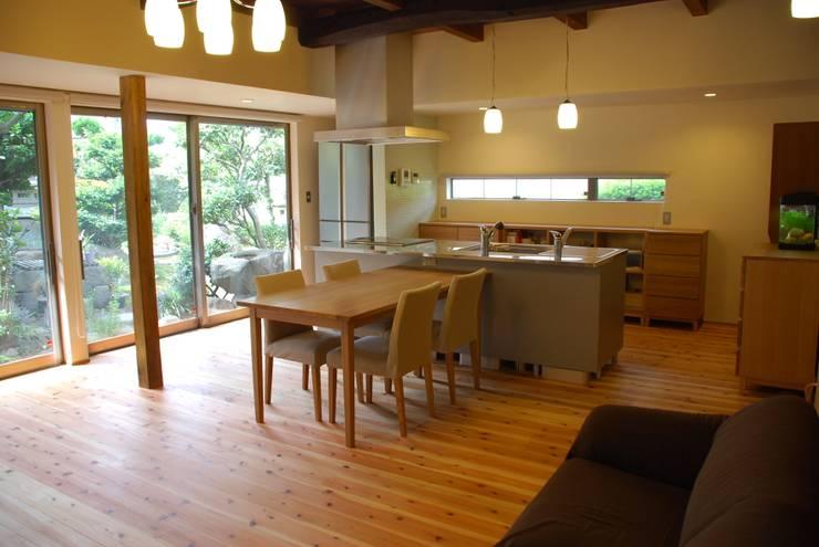 M邸: 長崎工作室が手掛けたダイニングです。
