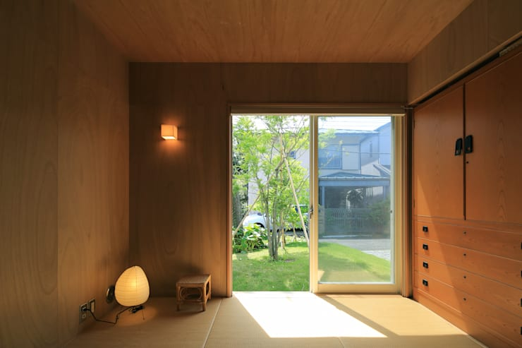 Bedroom by 早田雄次郎建築設計事務所/Yujiro Hayata Architect & Associates