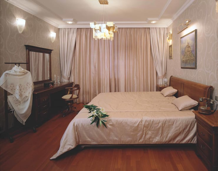Интерьеры двухуровневой квартиры на ул. Куусинена: Спальни в . Автор – дизайн студия 'LusiSarkis '