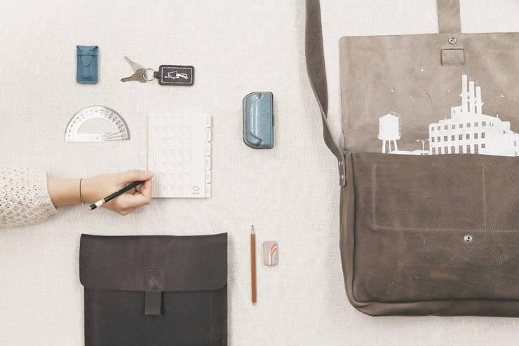 Big Business:  Studeerkamer/kantoor door Keecie