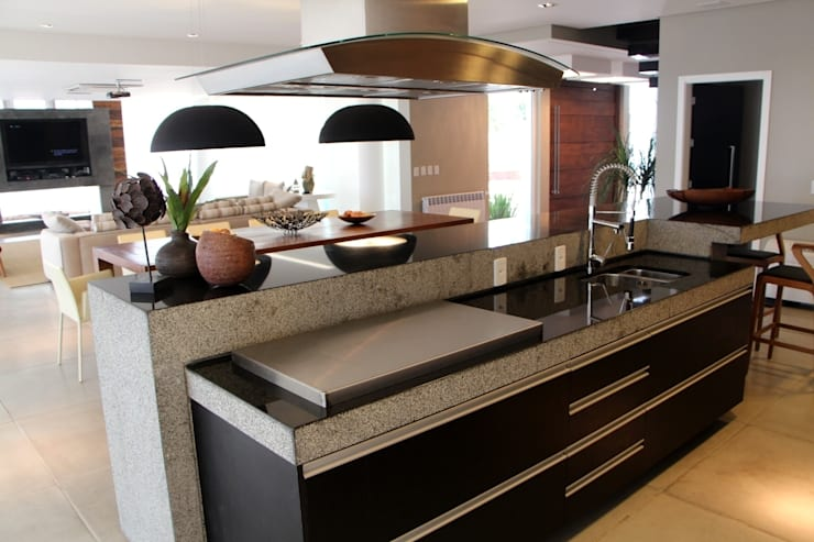 Kitchen by Arq. Leonardo Silva