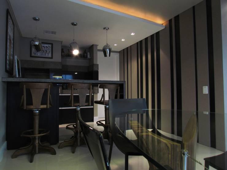 Apartamento Jovem Solteiro: Salas de jantar  por Arq. Leonardo Silva