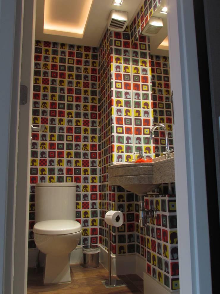 Apartamento Jovem Solteiro: Banheiro  por Arq. Leonardo Silva