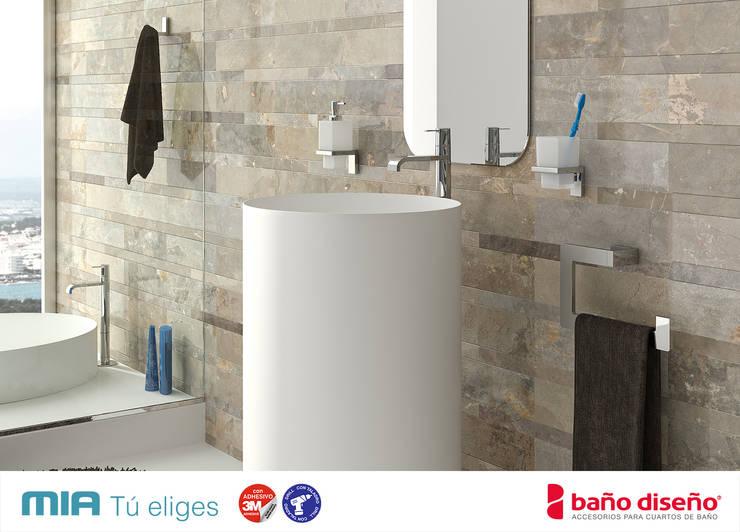 Accesorios de baño adhesivos de Baño Diseño | homify