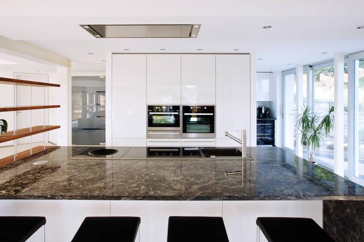 Projekty,  Kuchnia zaprojektowane przez gmyrekarchitekten