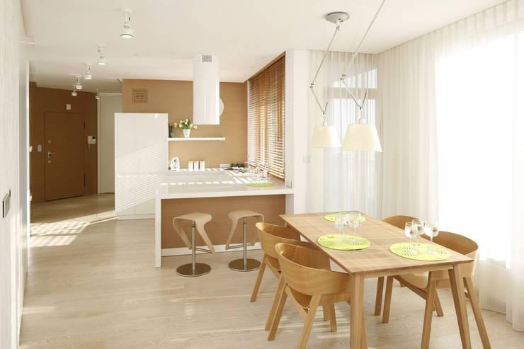 Mieszkanie : styl , w kategorii Jadalnia zaprojektowany przez Bm2 pracownia architektury