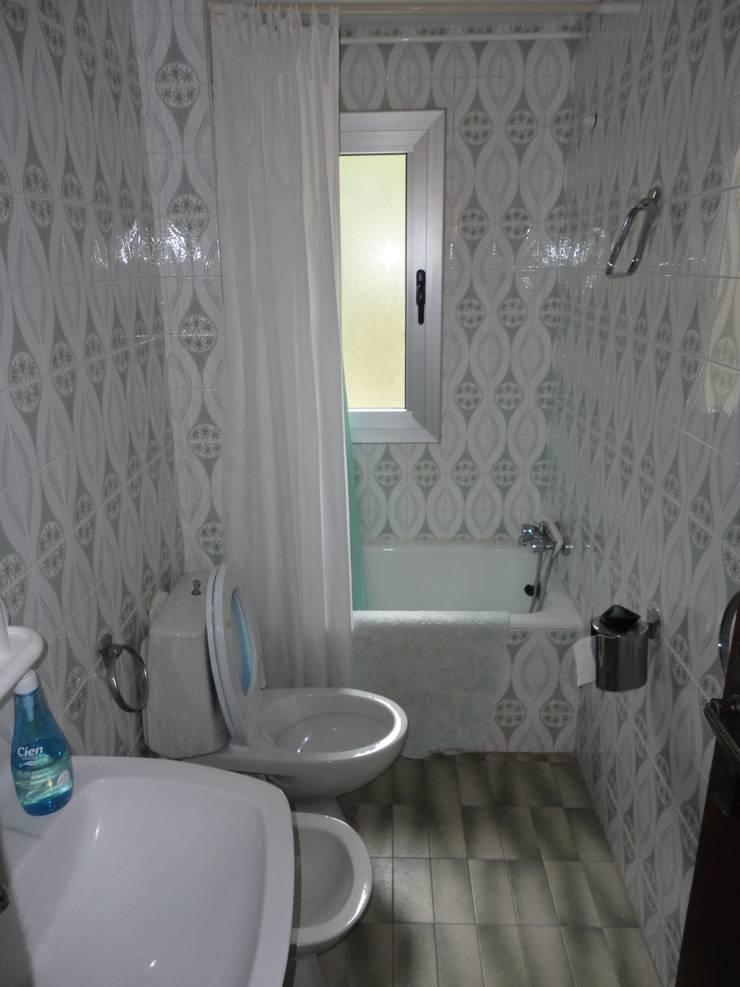 Reforma de baño 01:  de estilo  de River Cuina