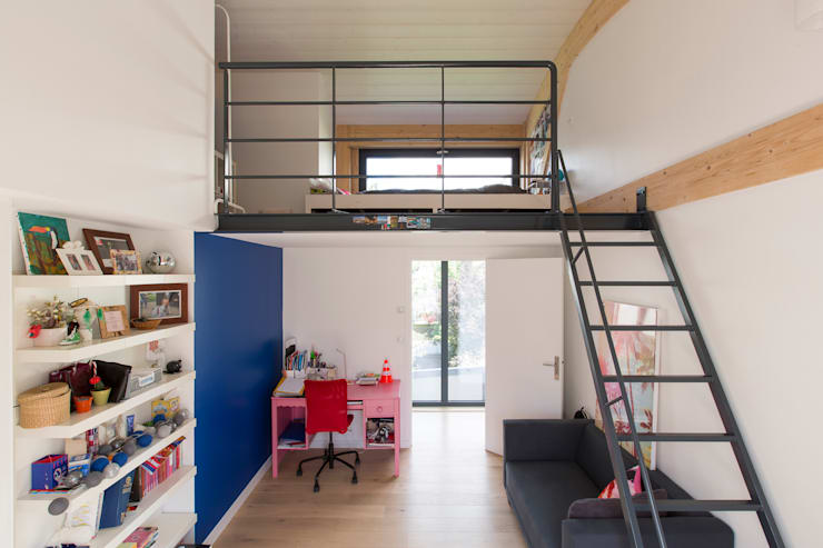 modern Nursery/kid's room by agence MGA architecte DPLG