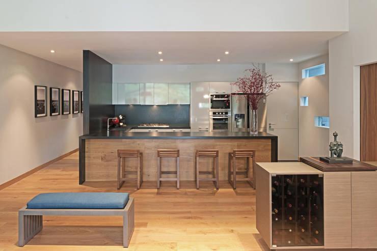 Cozinhas modernas por Faci Leboreiro Arquitectura