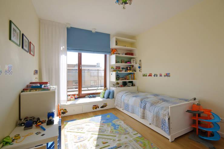 Nursery/kid's room by ZAWICKA-ID Projektowanie wnętrz