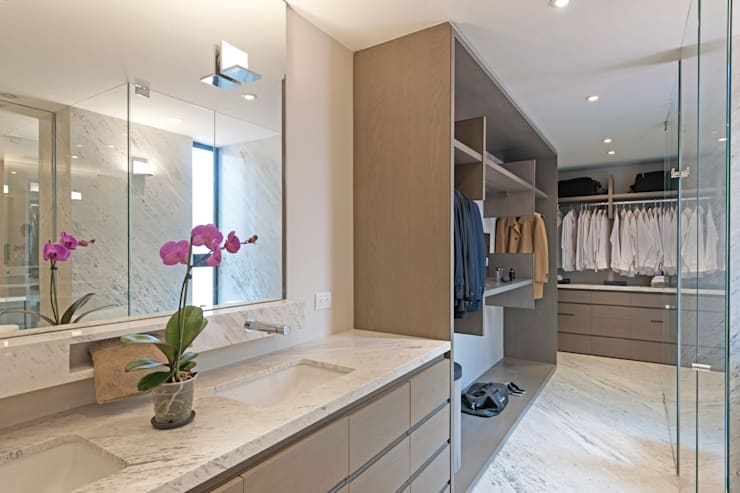 غرفة الملابس تنفيذ Faci Leboreiro Arquitectura