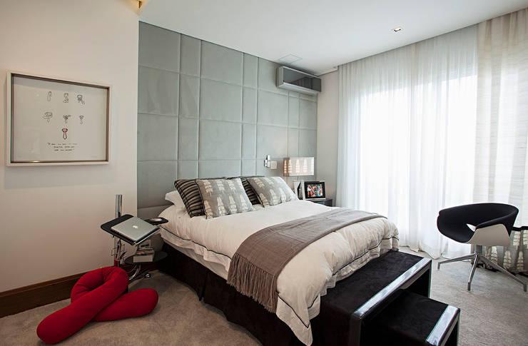quarto Quartos modernos por korman arquitetos Moderno