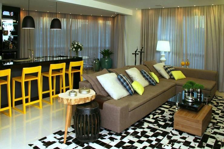 Projeto de Interior Área Social Apartamento: Salas de estar  por Kubbo Arquitetos,
