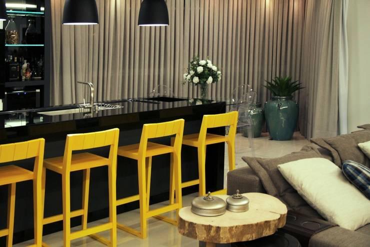 Projeto de Interior Área Social Apartamento: Cozinhas  por Kubbo Arquitetos,