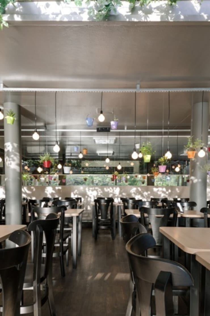FRU   Restaurante  Frutaria do Parque : Espaços gastronômicos  por Kali Arquitetura