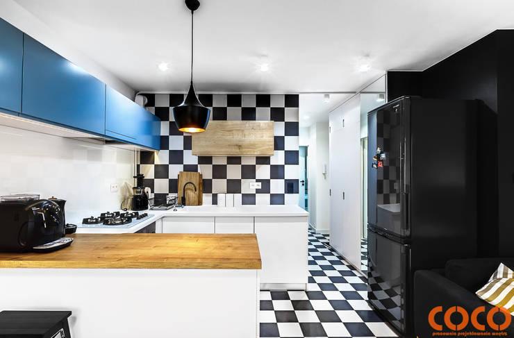 Cocinas de estilo  por COCO Pracownia projektowania wnętrz