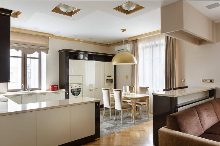 eclectic Kitchen by KRAUKLIT VALERII
