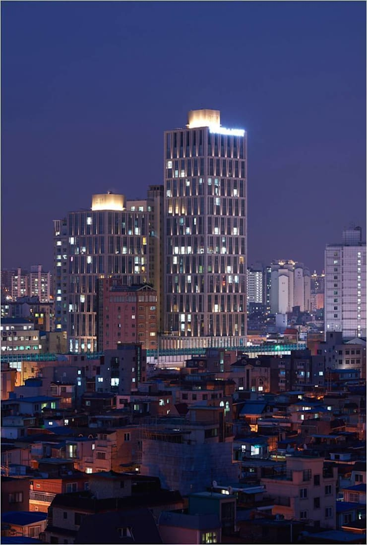 Tower the Most_2014: Eon SLD의  호텔,모던