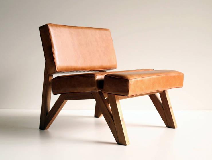 Vento: Sala de estar  por Bernardo Senna Design