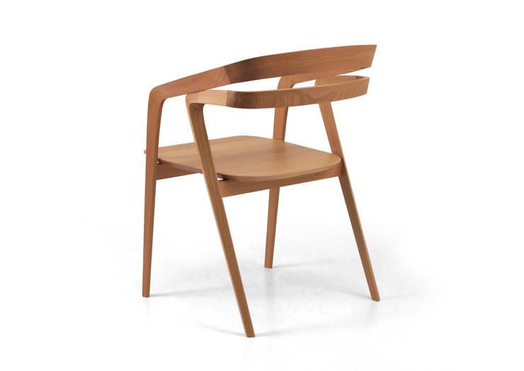 Joaquim: Sala de jantar  por Bernardo Senna Design