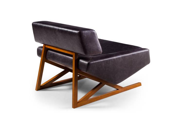 Diamante: Sala de estar  por Bernardo Senna Design