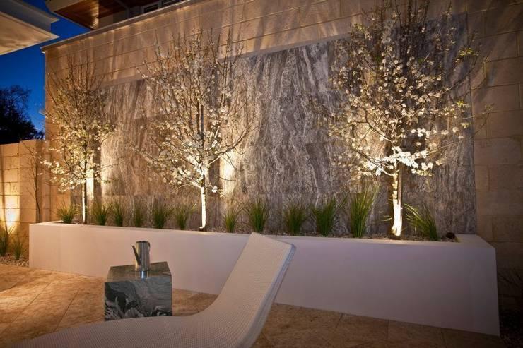 Terrazas de estilo  por Moda Interiors