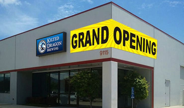Announce shop or business opening with attractive Grand Opening Banners:   by Banner Buzz