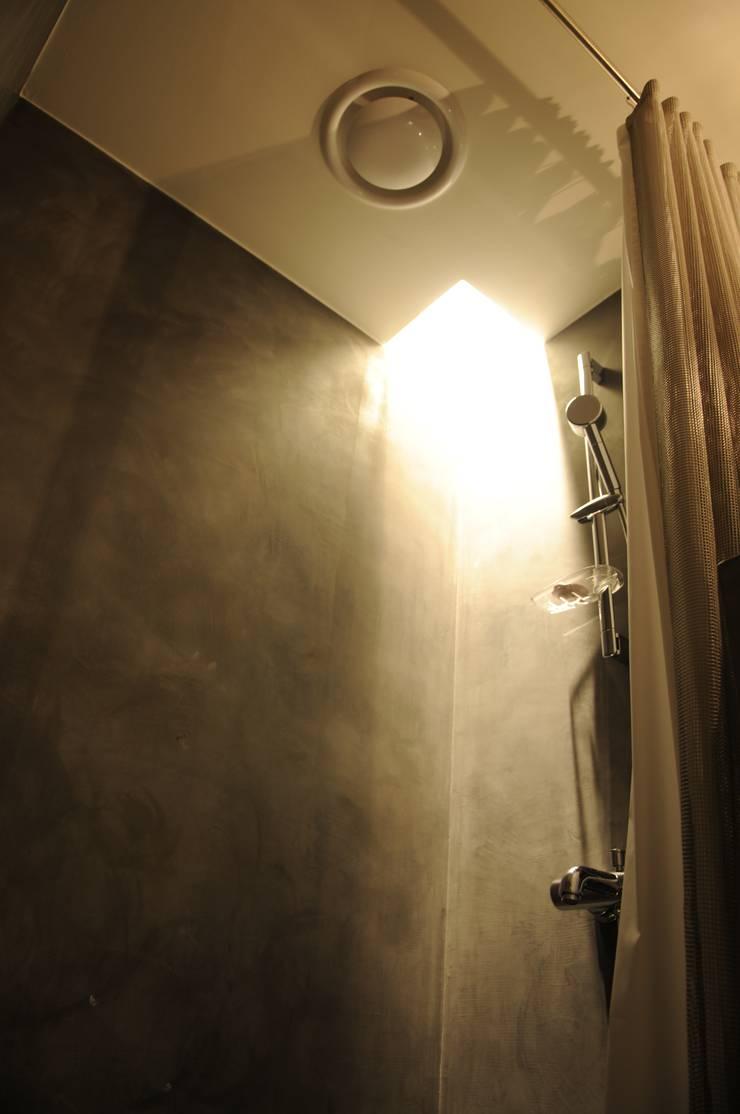 VB House_2013: Eon SLD의  상업 공간