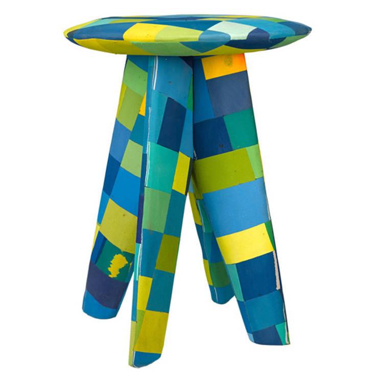 Flip-Flop stool green  : modern  door Diederik Schneemann , Modern