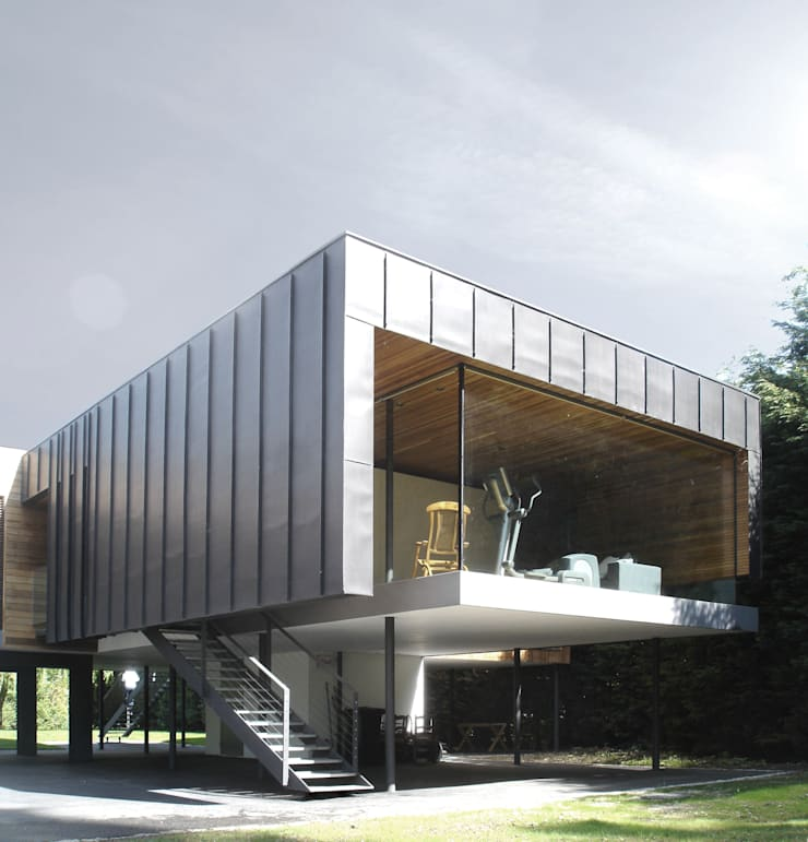 The Hind House:   by John Pardey Architects