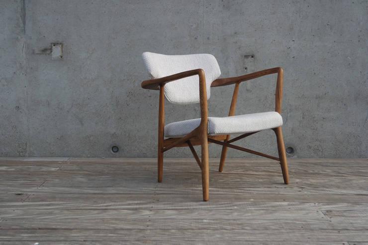 Caracas chair: scandinavische Woonkamer door Diederik Schneemann