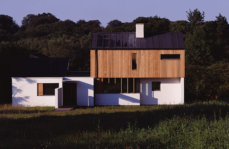 The Duckett House:   by John Pardey Architects
