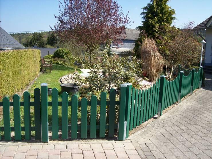BEGO Holz und Stahl: klasik tarz tarz Bahçe