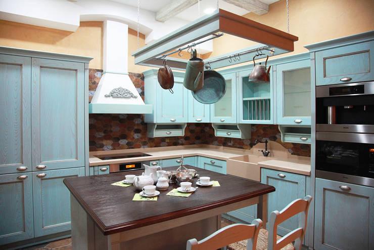 Cocinas de estilo rural por Мария Остроумова