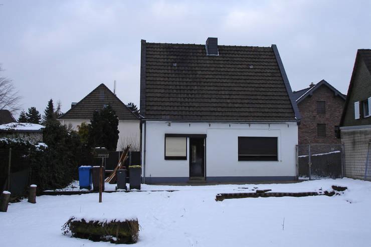 Casas  por Rathscheck Schiefer und Dach-Systeme ZN der Wilh. Werhahn KG Neuss