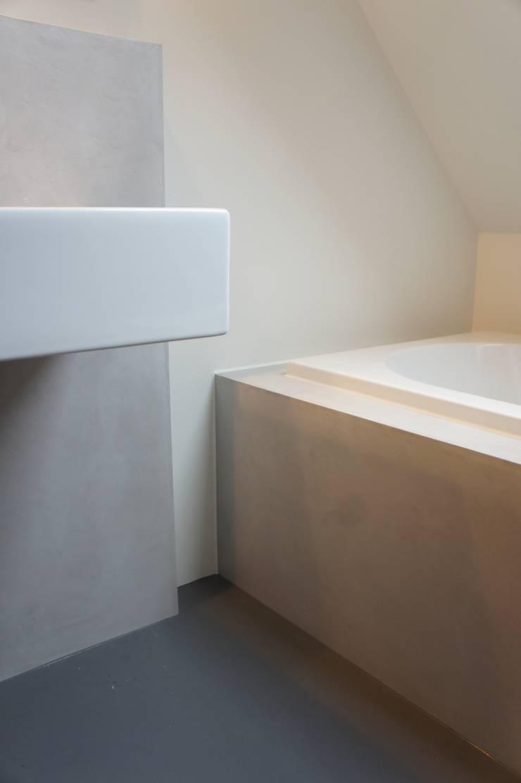 Detail badkamer:  Badkamer door Design Gietvloer, Modern