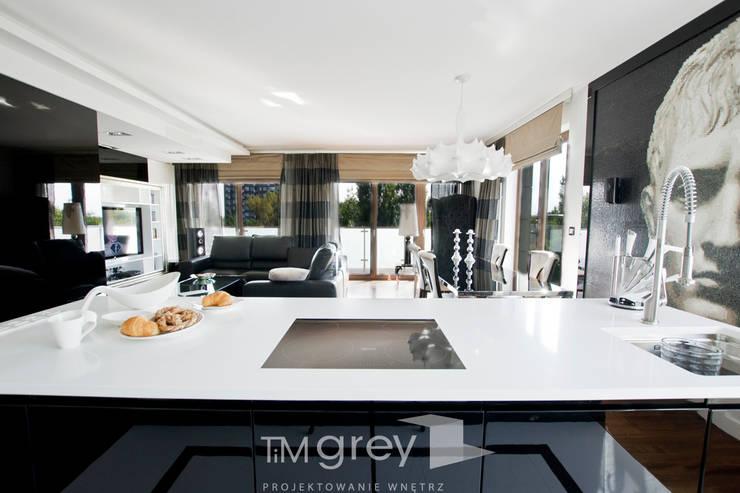 Glamur Apartment 110m2: styl , w kategorii Salon zaprojektowany przez TiM Grey Interior Design
