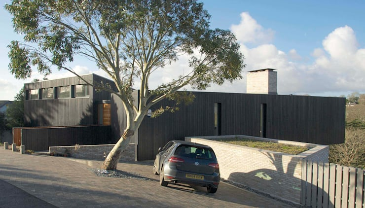 The Owers House:   by John Pardey Architects