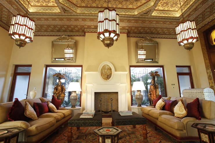 mediterranean Living room تنفيذ Moroccan Bazaar