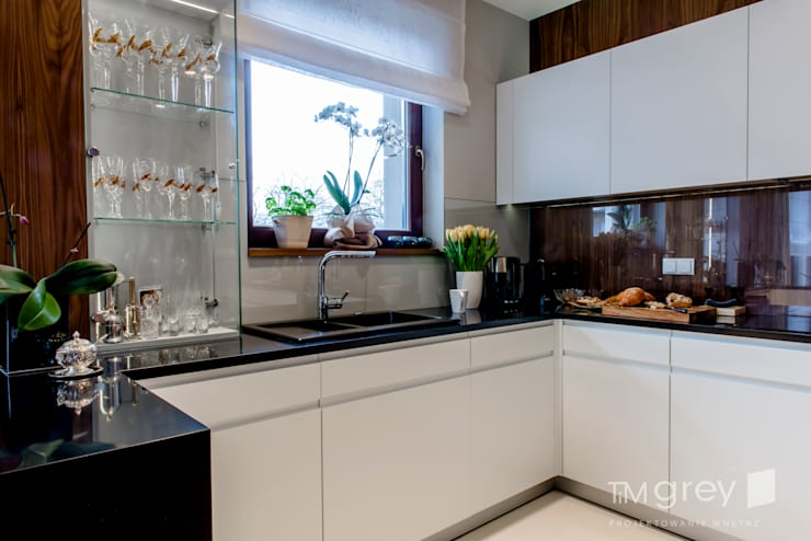 Dapur by TiM Grey Interior Design