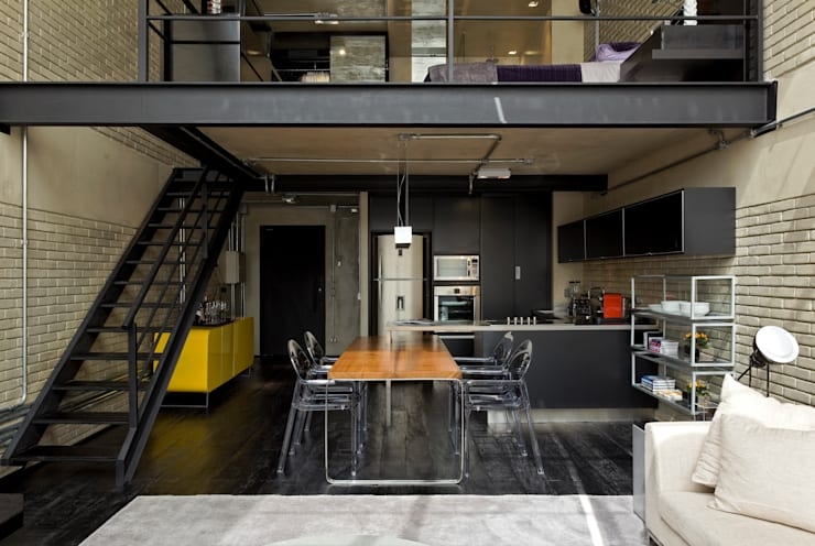 industrial Kitchen by DIEGO REVOLLO ARQUITETURA S/S LTDA.