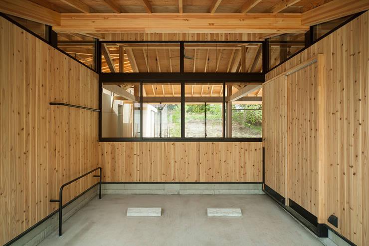 Qilin: 松島潤平建築設計事務所 / JP architectsが手掛けたガレージです。