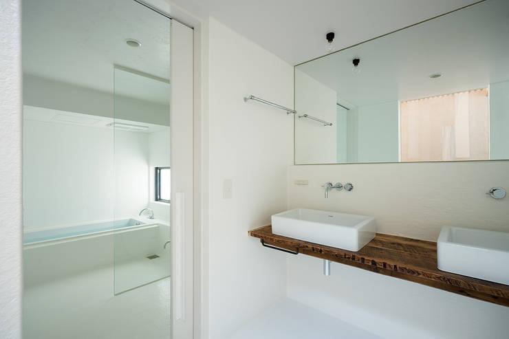 松島潤平建築設計事務所 / JP architects의  욕실