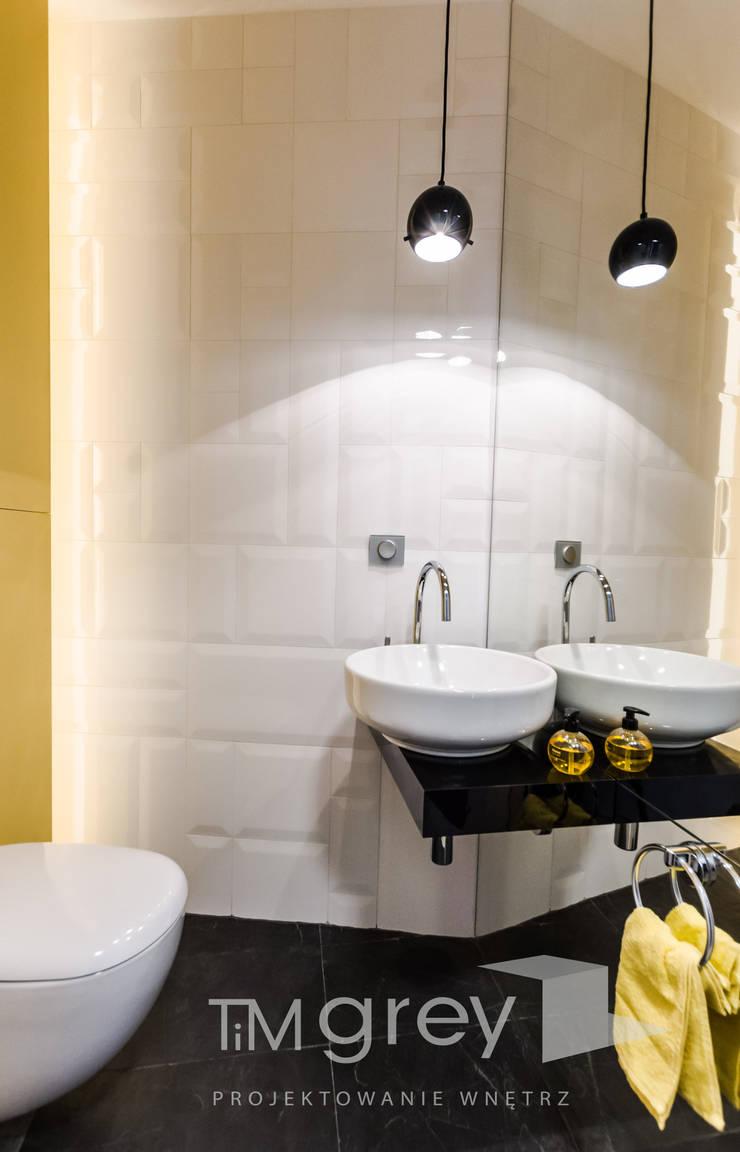 Modern Flat 69m2: styl , w kategorii Łazienka zaprojektowany przez TiM Grey Interior Design