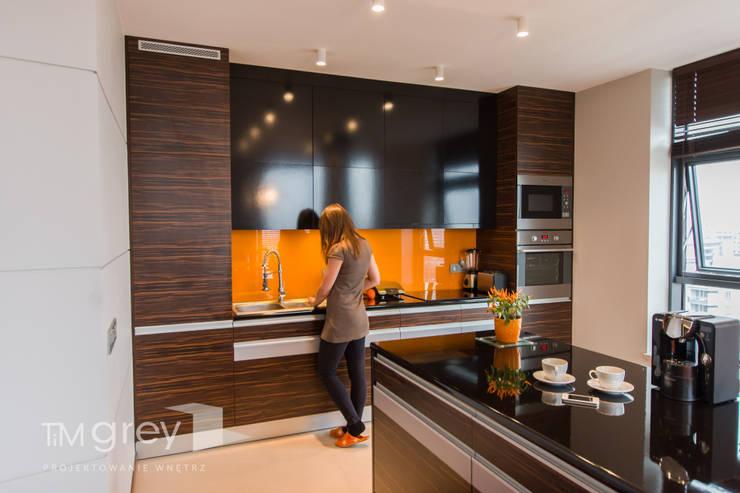 Modern Flat 69m2: styl , w kategorii Kuchnia zaprojektowany przez TiM Grey Interior Design