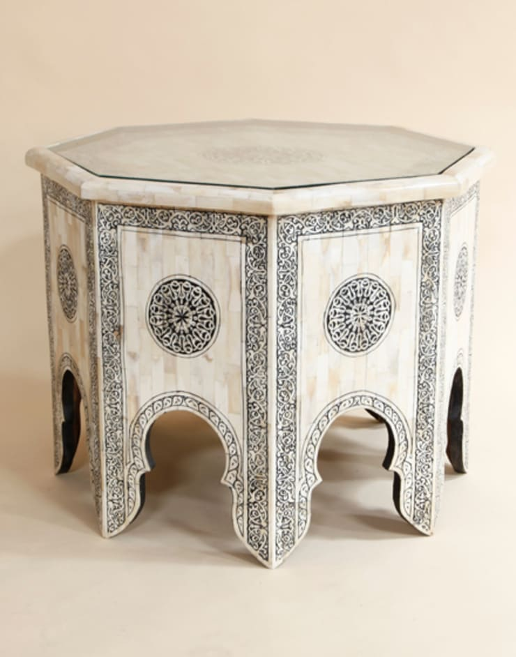 White Bone Coffee Table:  Living room by Moroccan Bazaar