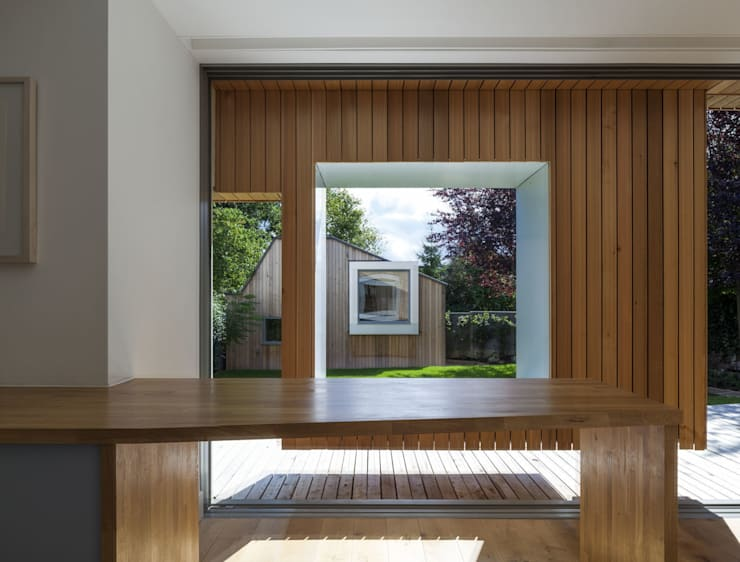 Cut & Frame House:  Houses by Ashton Porter architects