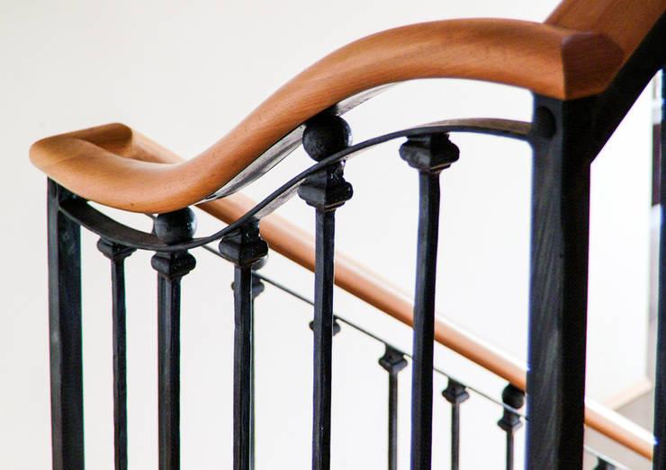 Realizacja Balustrady 3: styl , w kategorii Korytarz, hol i schody zaprojektowany przez Armet